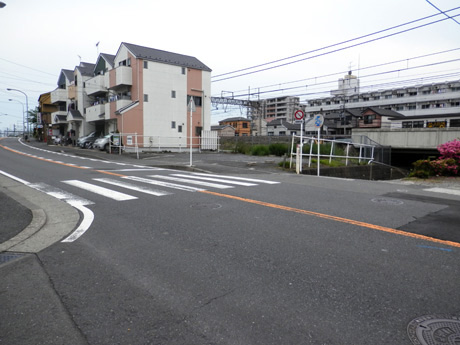 バス停降車後から徒歩の写真3